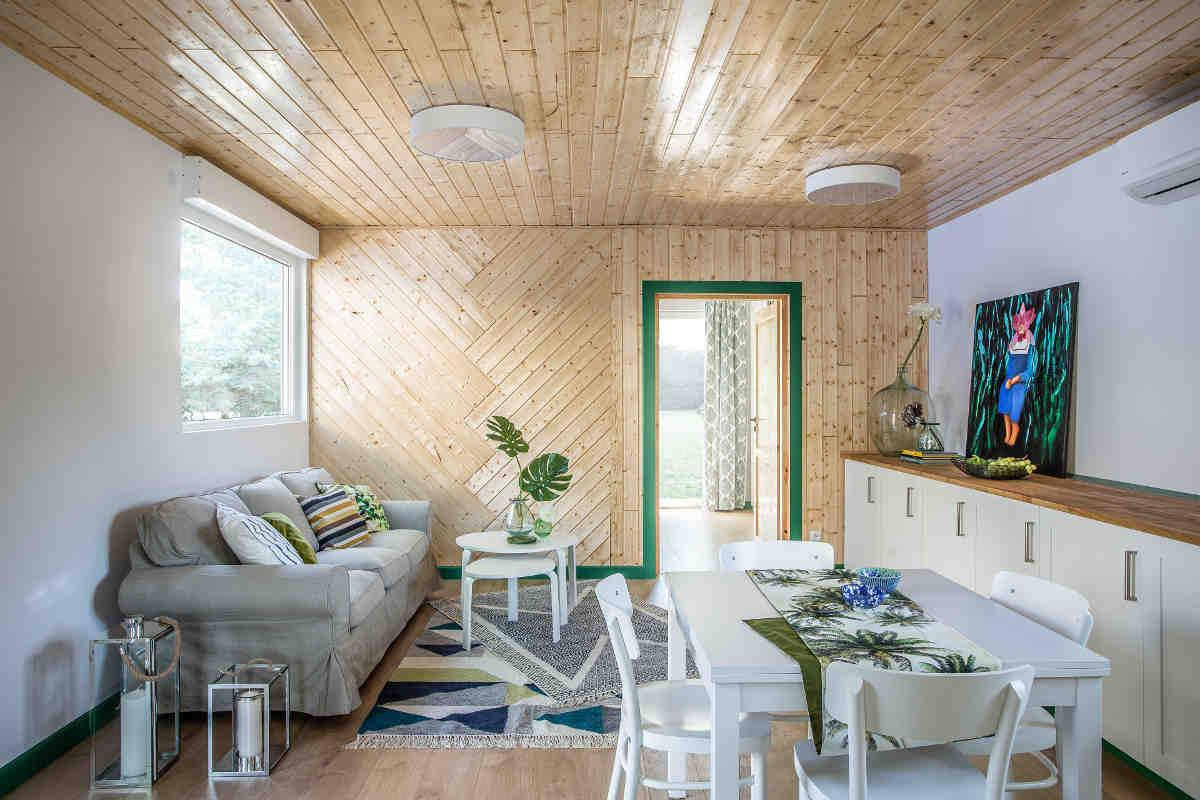 wnętrze domu modułowego MagHomes - widok na salon i jadalnię